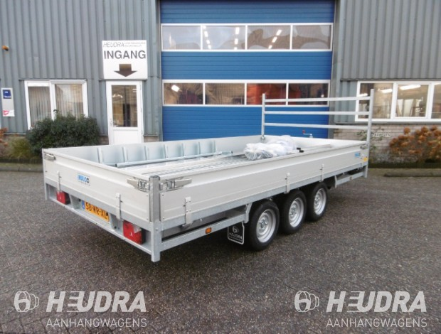 hulco-medax-3-met-voorrek-hulco-plateauwagen