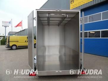 Gesloten maatwerk koelaanhangwagen voor hangend vleesvervoer