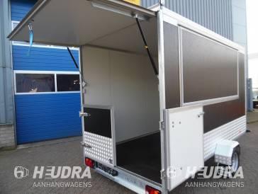 Aanhangwagen met verkoopklep en achterdeuren