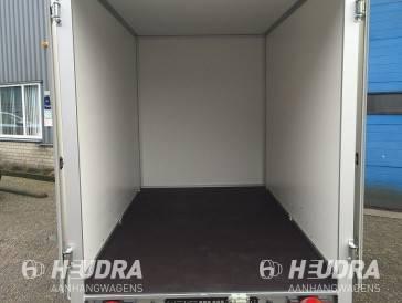 Humbaur gesloten aanhangwagen binnenzijde